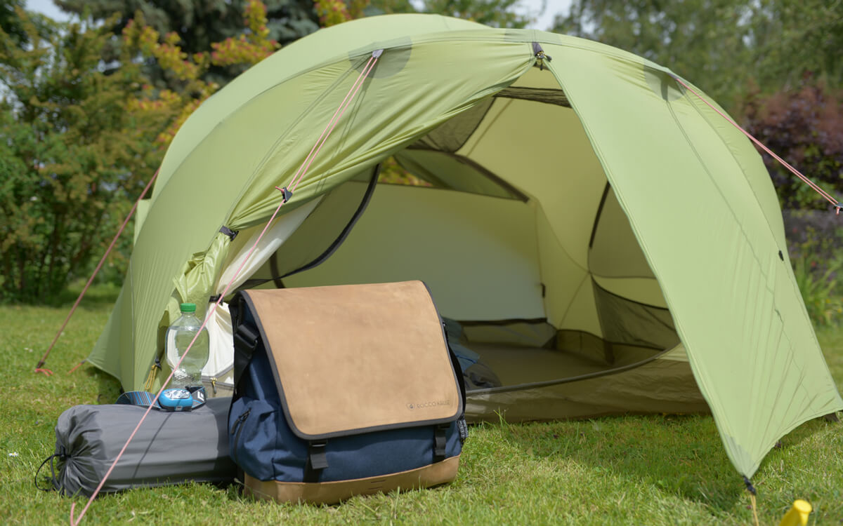Umhängetasche mit Sitzfunktion ideal für Camping