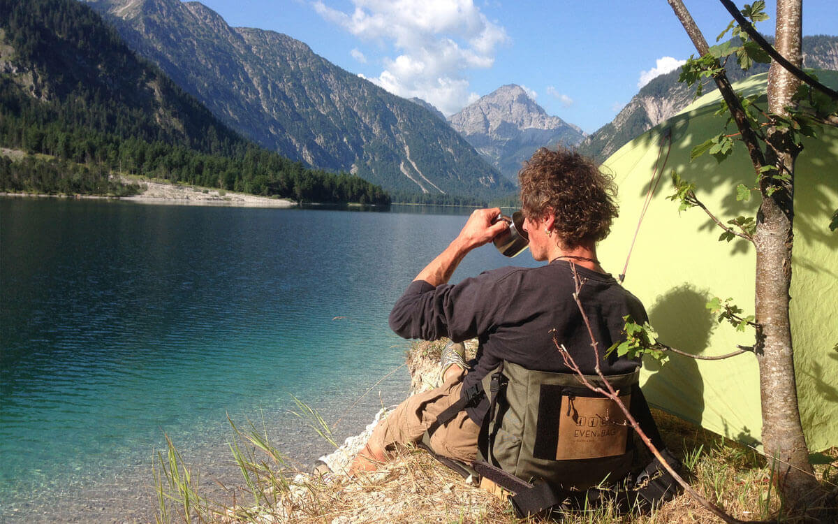 Abenteuer mit dem flexiblen Campingstuhl von EVENaBAG